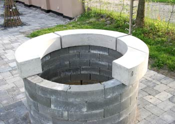 Billedgalleri af udekøkken / bålkøkken med modul sten.